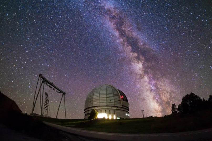 Специальная астрофизическая обсерватория на вершине горы Семиродники у станицы Зеленчукская
