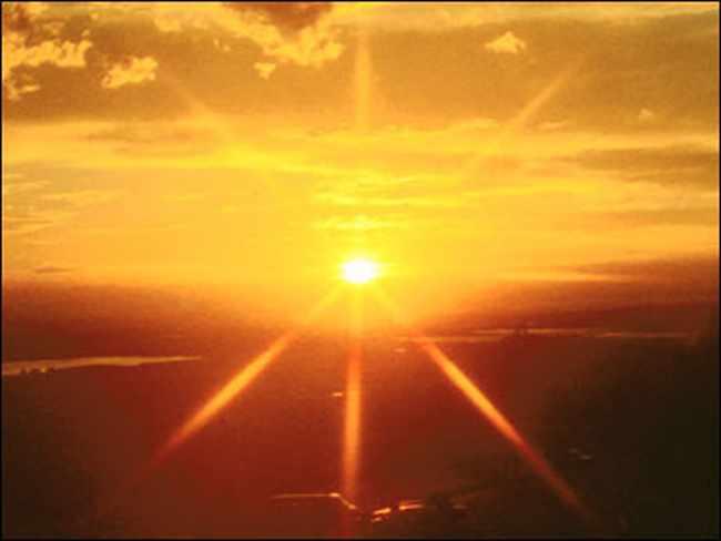 За сколько свет от солнца достигает земли
