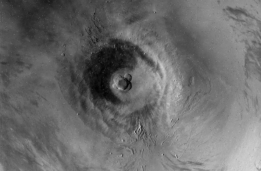 Щитовой вулкан Ascraeus Mons