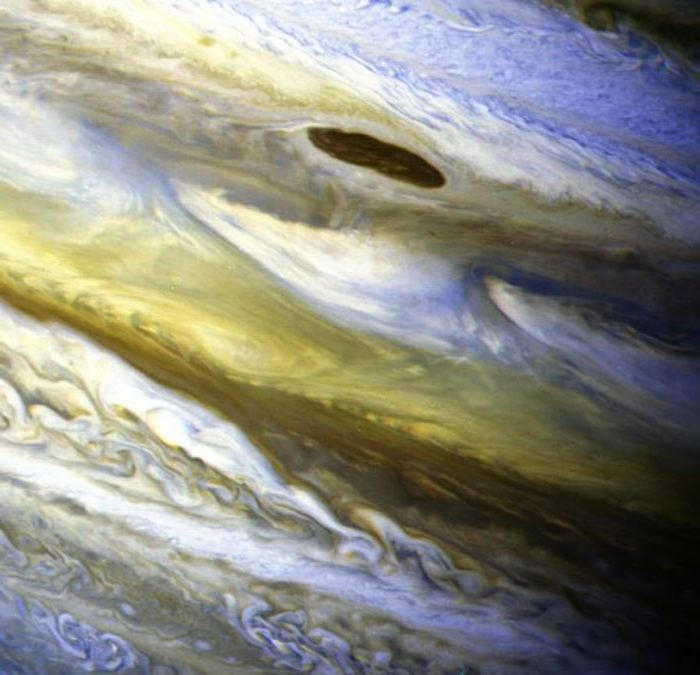 Экваториальная зона Юпитера, цвета усиленны