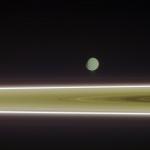 Энцелад, снимок сделан с использование зеленого, ИК и УФ фильтра