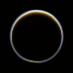 Титан с расстояния 194 000 км
