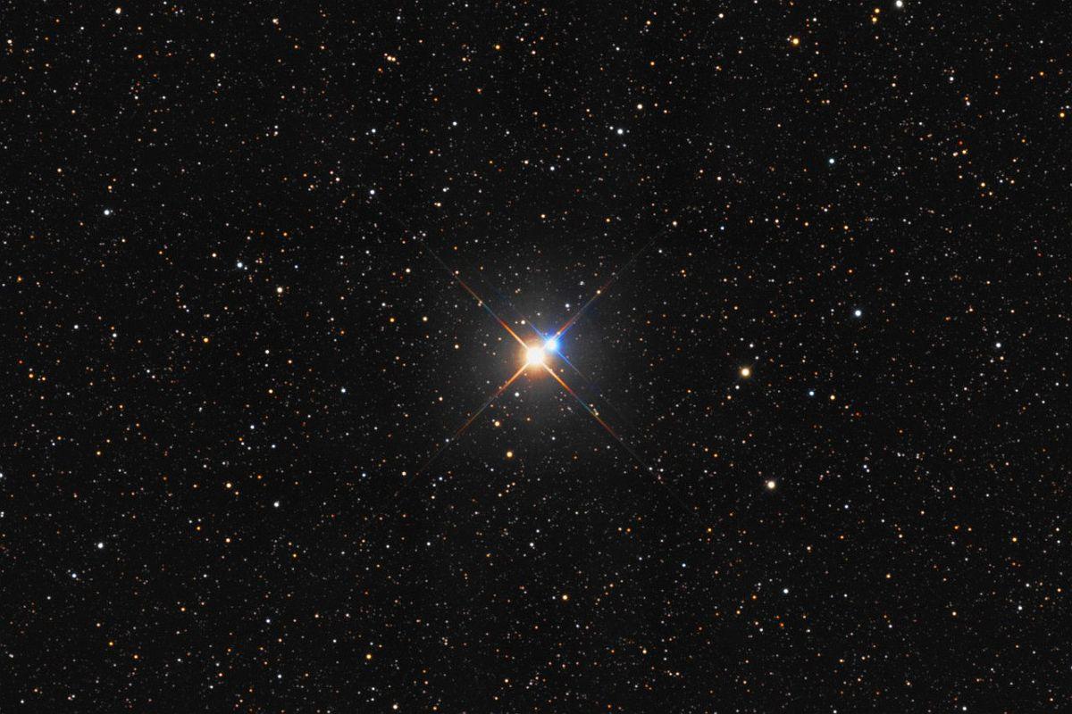 Звезда Альбирео или Бета Лебедя