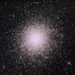 Одно из ярчайших шаровых скоплений - М13