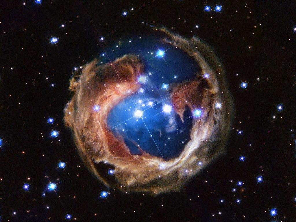 Туманность вокруг переменной звезды V838 Единорога