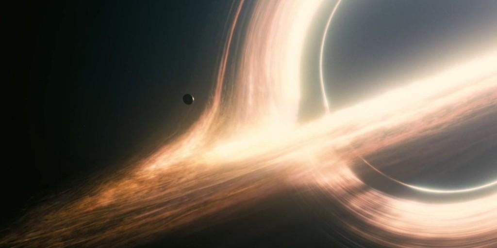 Черная дыра Гаргантюа из фильма Интерстеллар