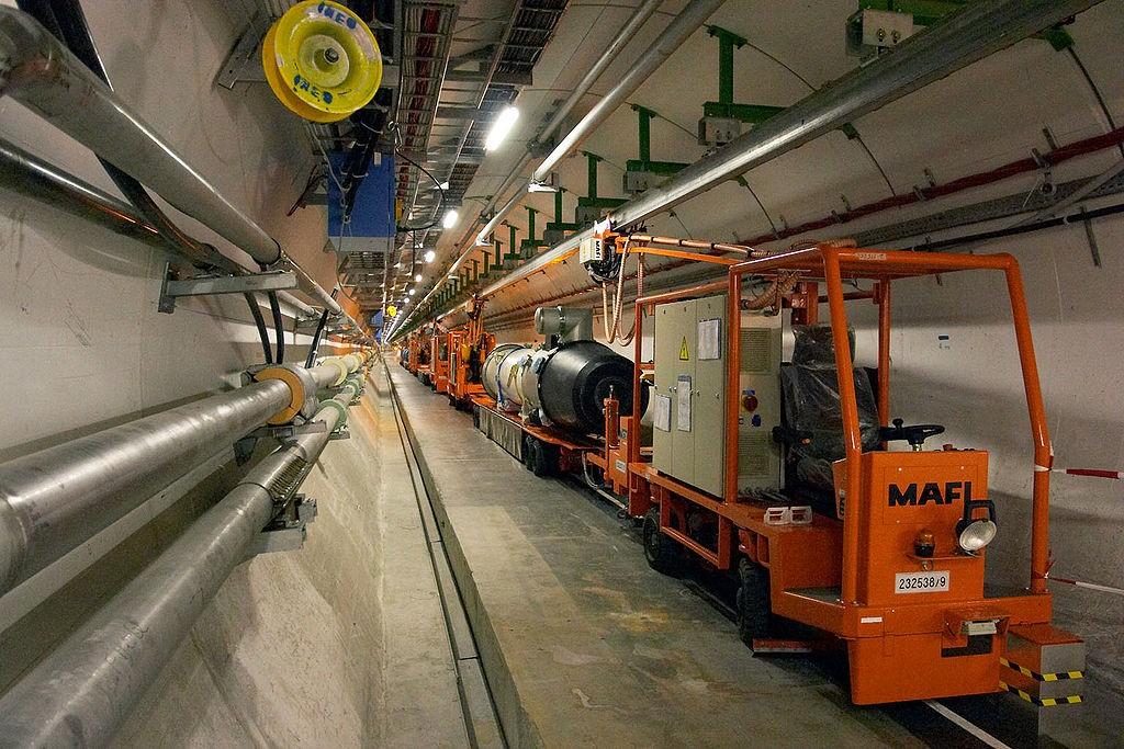 Тоннель ускорителя БАК