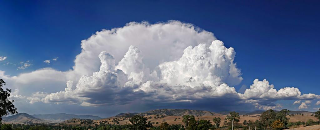 Большое кучево-дождевое облако