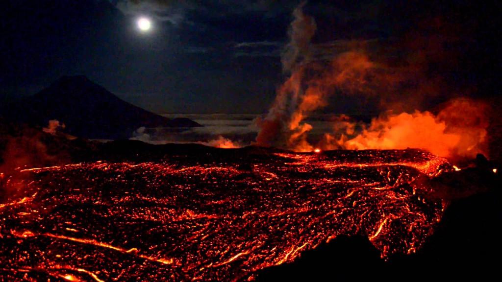 Вулканы — одни из главных участников формирования атмосферы