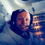 Нил Армстронг возвращается домой