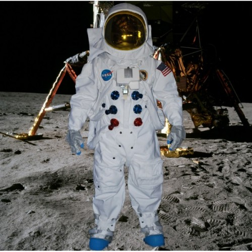 apollo-spacesuit-replica-500x500
