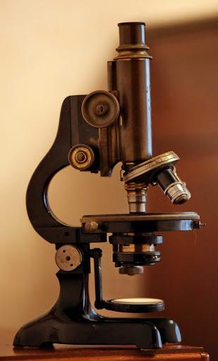 Немецкий микроскоп начала ХХ столетия