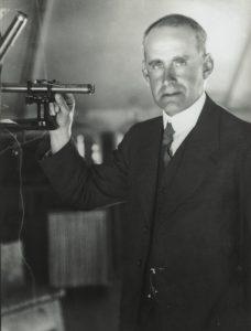 Эддингтон верил в существование единого закона Вселенной и старался его найти