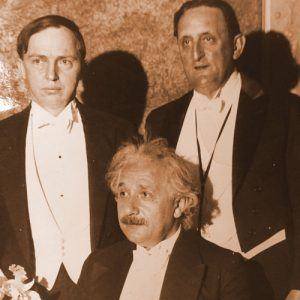 Шепли с Альбертом Эйнштейном на ужине в Нью-Йорке для американских друзей Еврейского университета в Палестине, 1933 г.