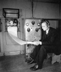 Янский долго разбирал записи, на установление третьего источника помех, исследователь потратил почти год