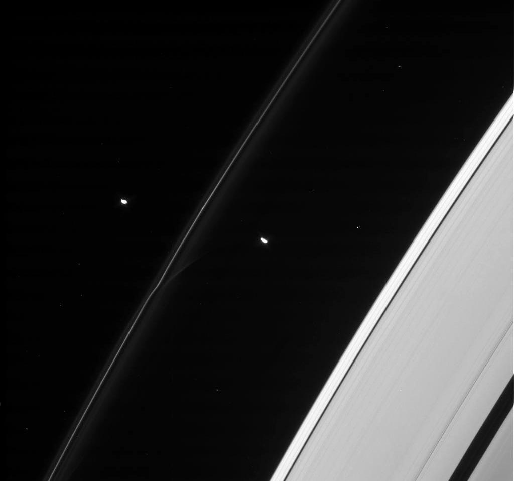 Прометей – спутник-пастух в кольце Сатурна