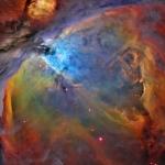 Изображение получено с использованием фильтров серы (красный цвет), водорода (зеленый цвет) и кислорода (синий цвет).