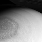 Новая фотография шестиугольника на полюсе Сатурна