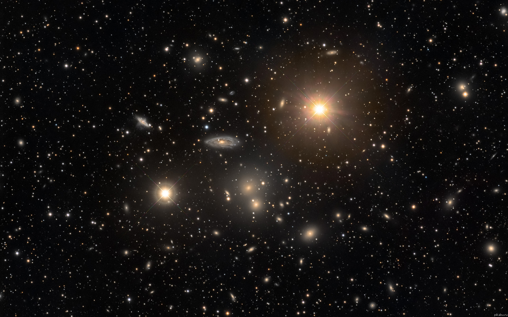 Скопление галактик в созвездии Гидра