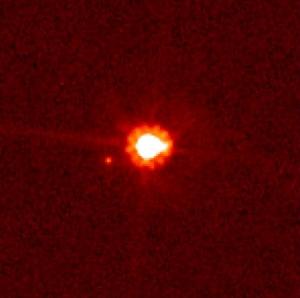 Снимок Эриды со спутником
