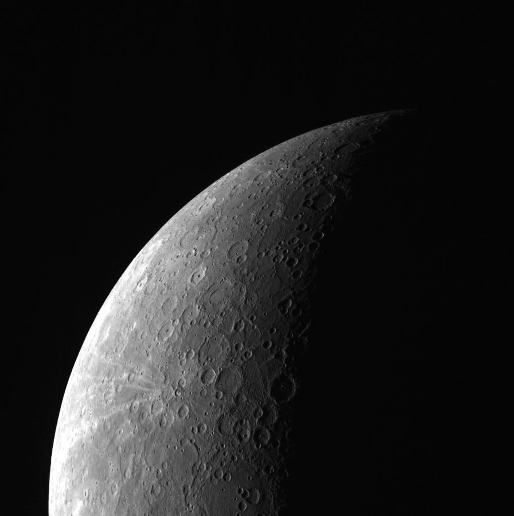 Южное полушарие Меркурия, снимок MESSENGERA