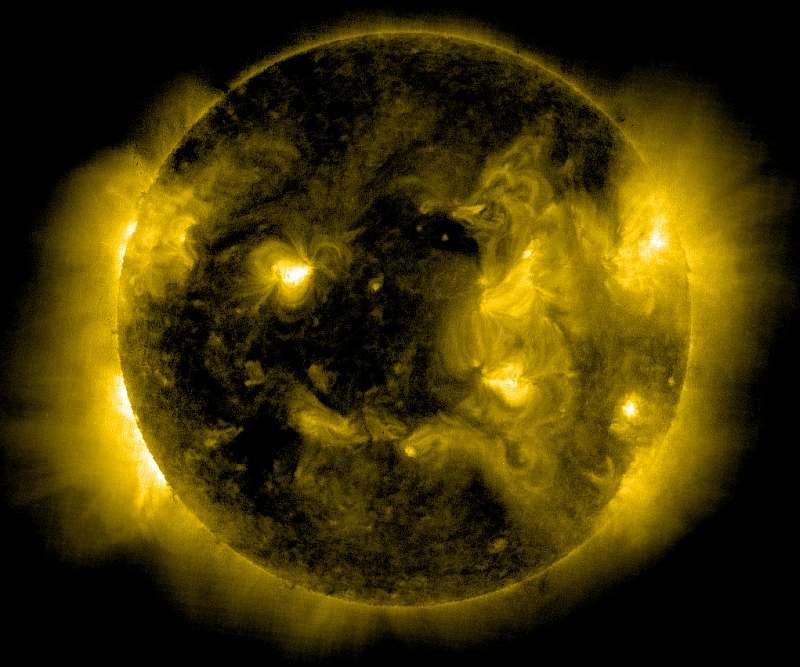 Солнце со спутника SOHO