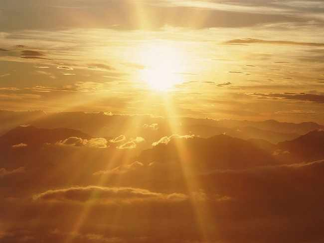 фото на небе солнца