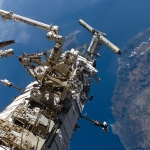 Во время миссии STS-115 в 2006 году, астронавты Steven G. MacLean и Daniel C. Burbank вышли выход в открытый космос для работы снаружи МКС