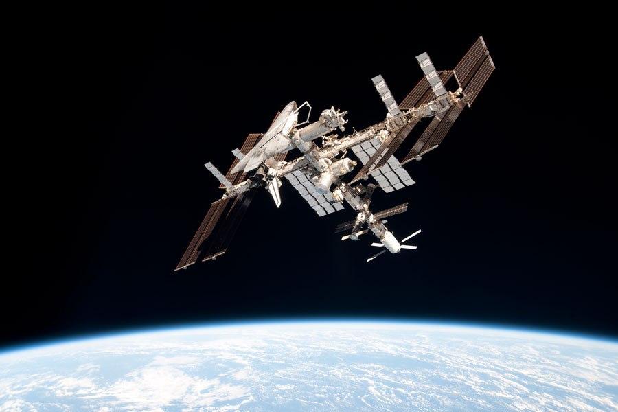 МКС - самый крупный искуственный спутник Земли