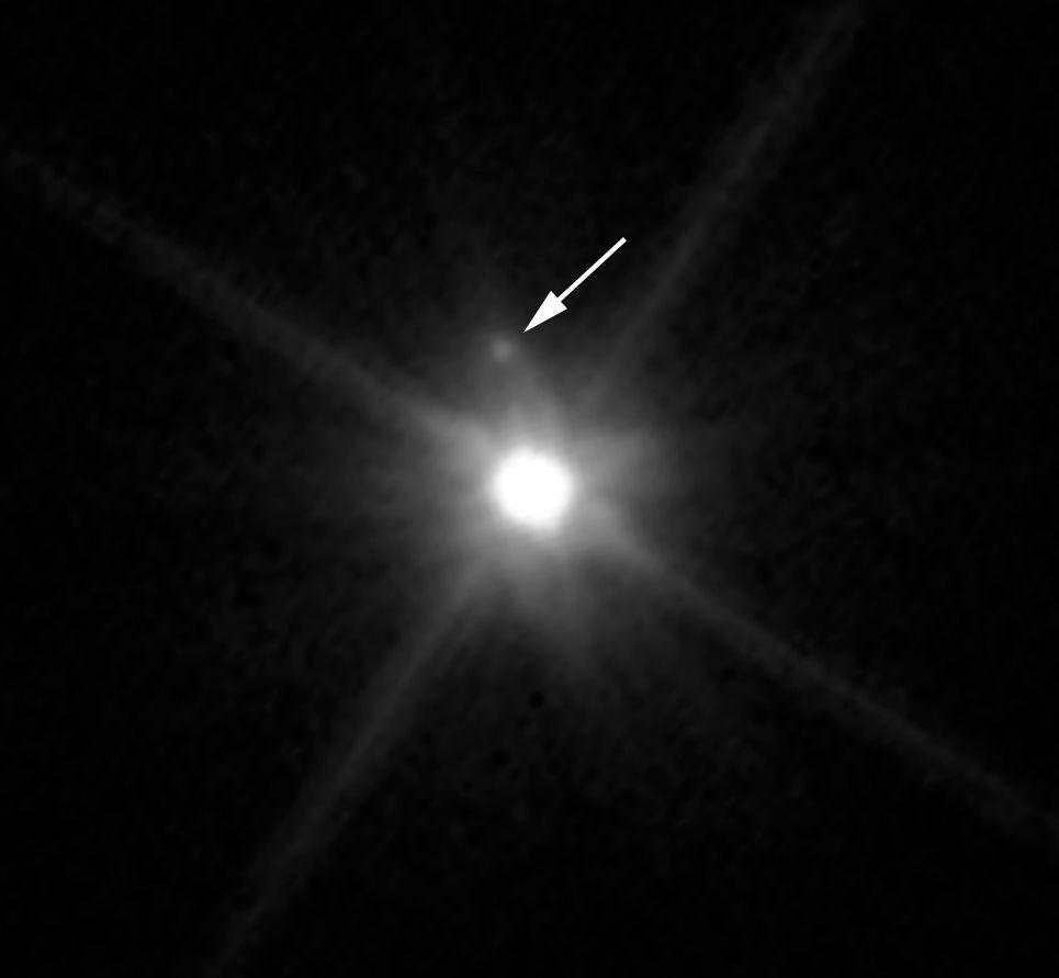 Спутник Макемаке