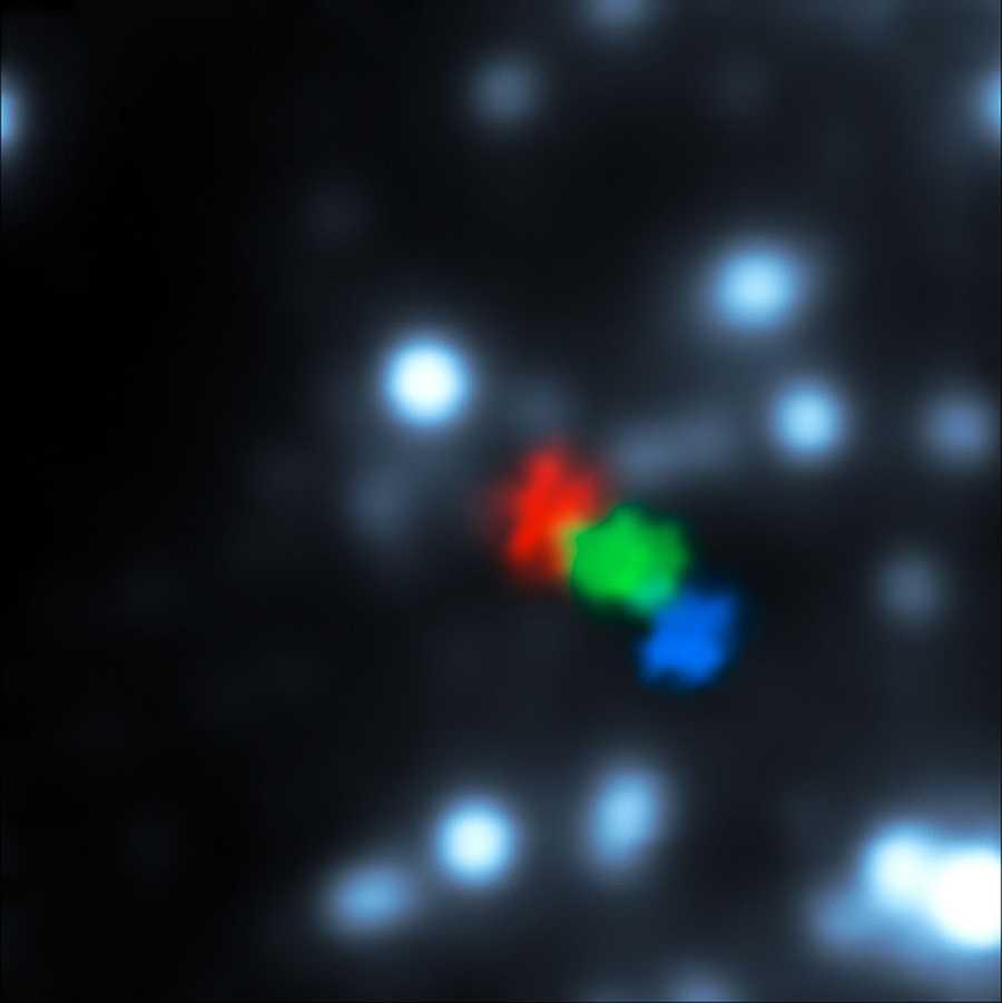 Телескоп VLT в реальном времени видит, как газовое облако подходит вплотную к монстру в центре Млечного Пути