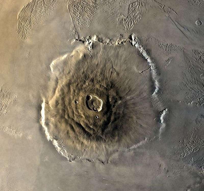 Высокая гора в солнечной системе