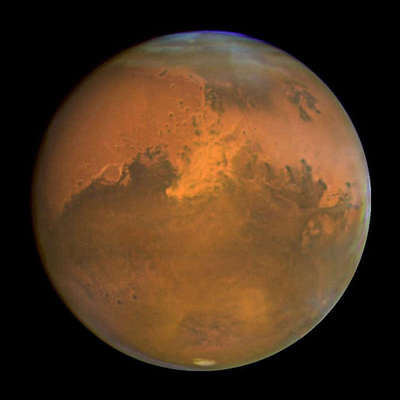 Снимок красной планеты космическим телескопом Хаббл