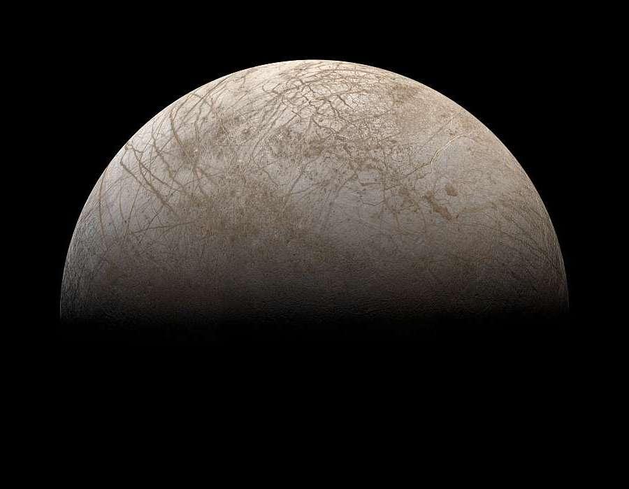 Европа, снимок Вояджера-2