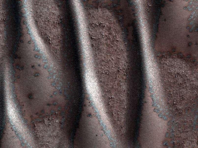 Оттаивание дюн на поверхности