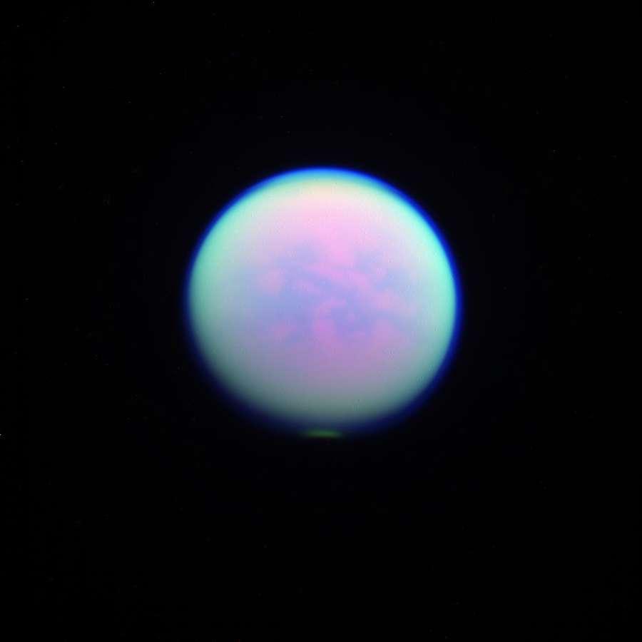 Снимок Кассини сделанный с использованием 3-х различных фильтров