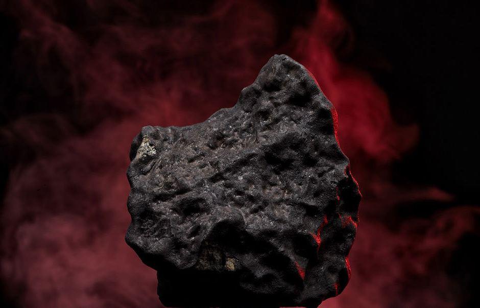Cтудийные фотографии челябинского метеорита