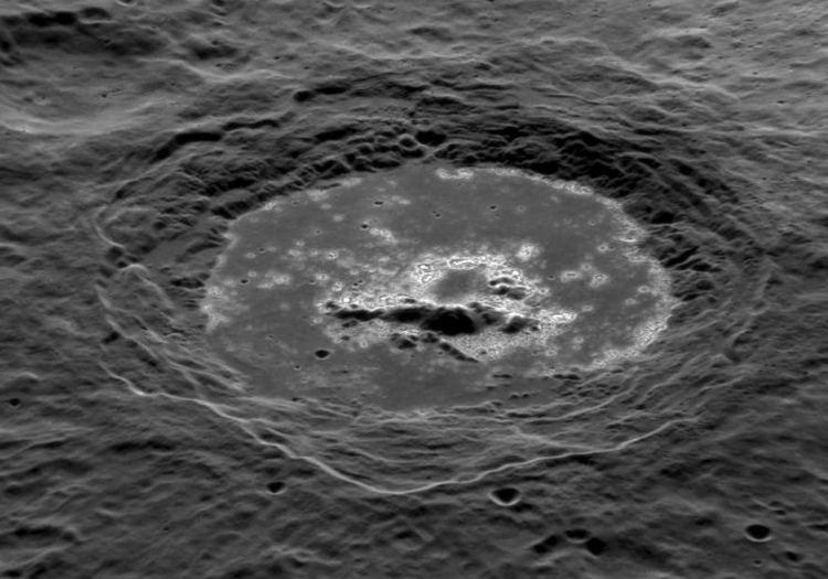 Фотография кратера Уорхол