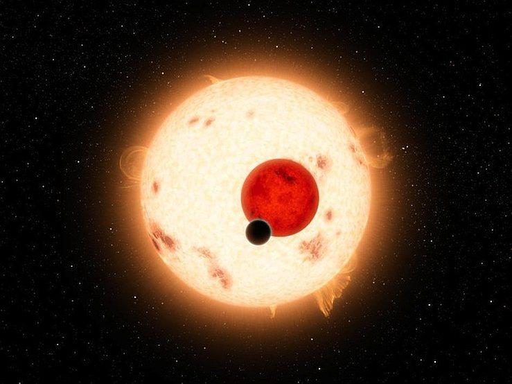 Рисунок художника показывающий транзит экзопланет, по диску звезды