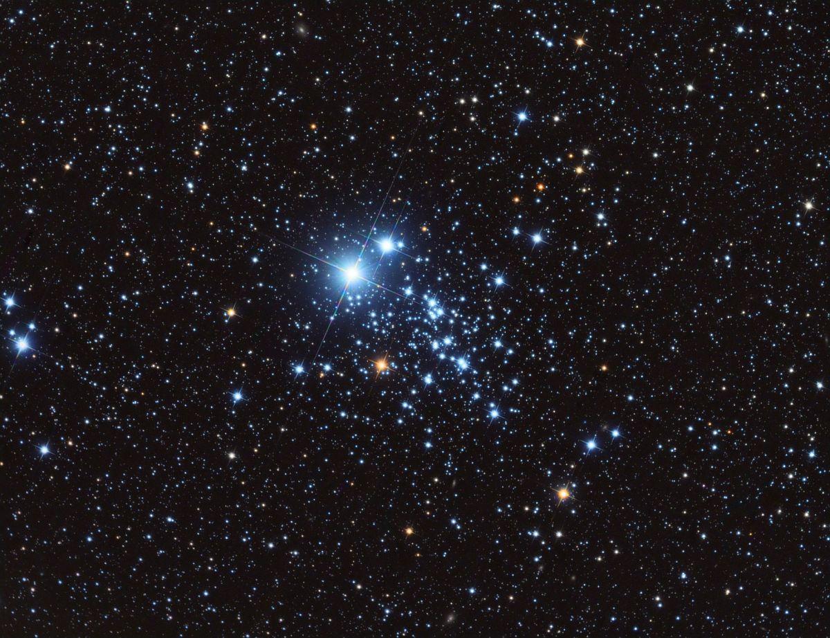 NGC 457 - рассеянное скопление