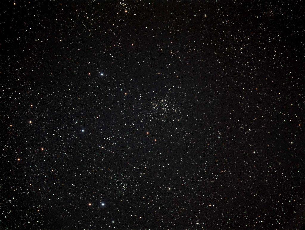 Скопление NGC 663