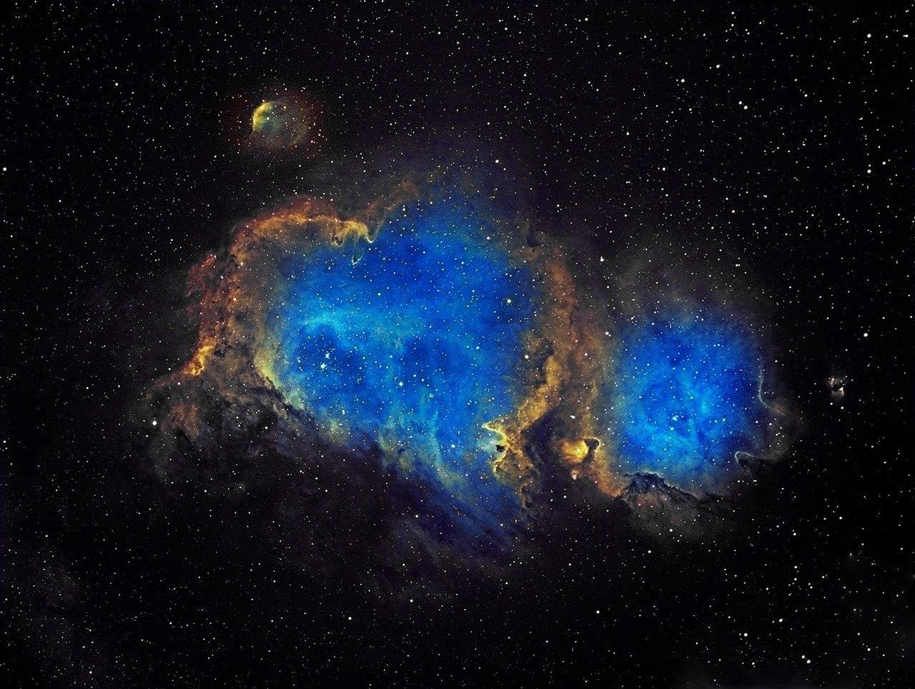 Туманность Сердце и Душа или IC 1805 в видимом свете