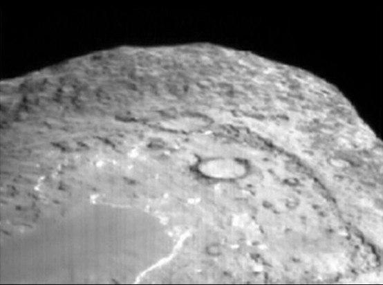 Ядро кометы Темпель 1, с зонда StarDust