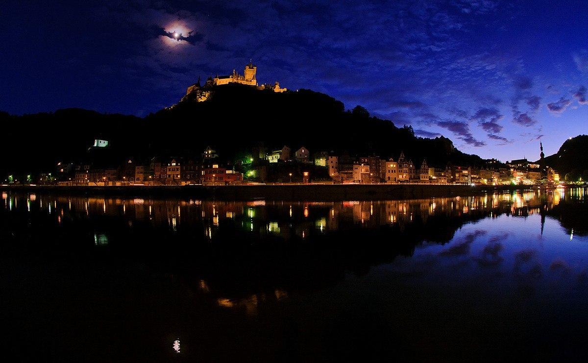 Лунная корона над замком Кохем