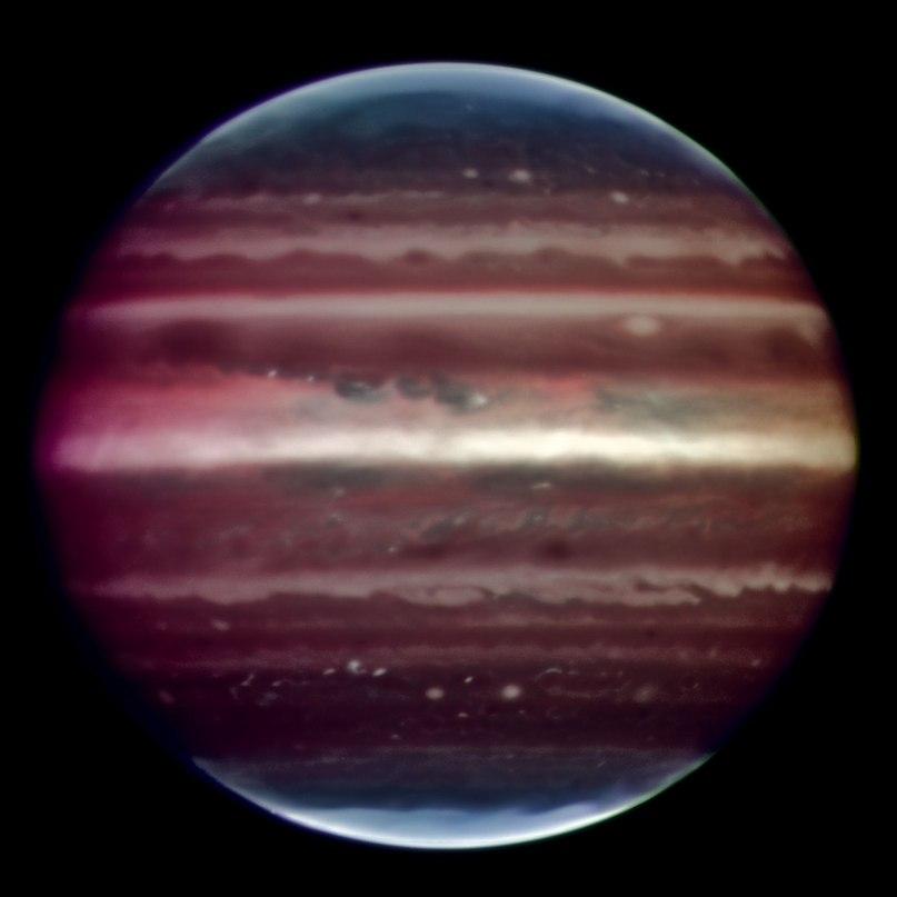 Фотография Юпитера полученая в инфракрасном диапазоне на телескопе VLT