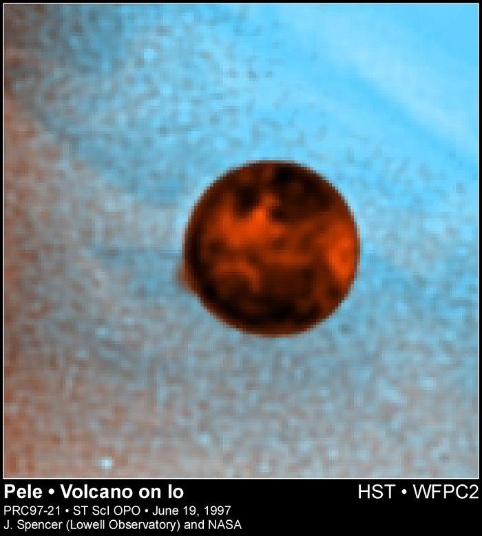 Извержение вулкана Pele на Ио, фотография Хаббла