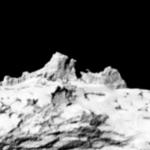 Горы на комете, центральный пик высотой 300 метров!