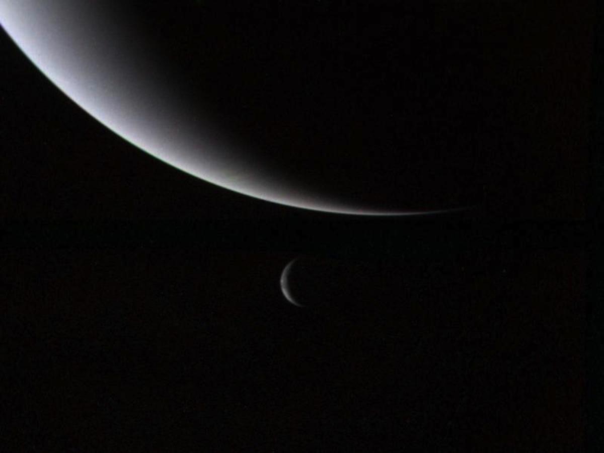 Полумесяцы Нептуна и Тритона