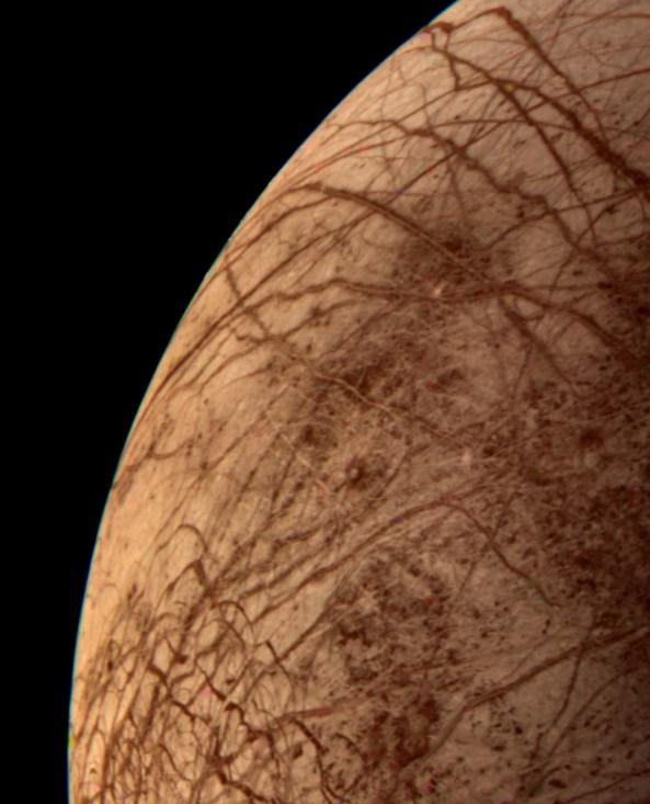 Это цветное изображение спутника Юпитера Европа