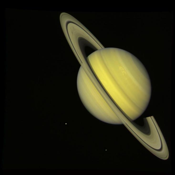 Снимок Сатурна в максимально естественных цветах